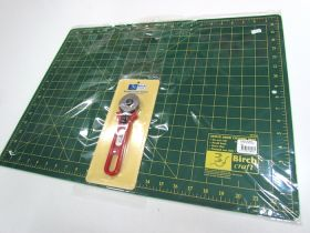 Great value Cutting Mat & 45mm Rotary Cutter available to order online Australia